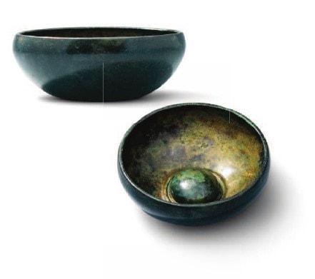 Bronze phiale