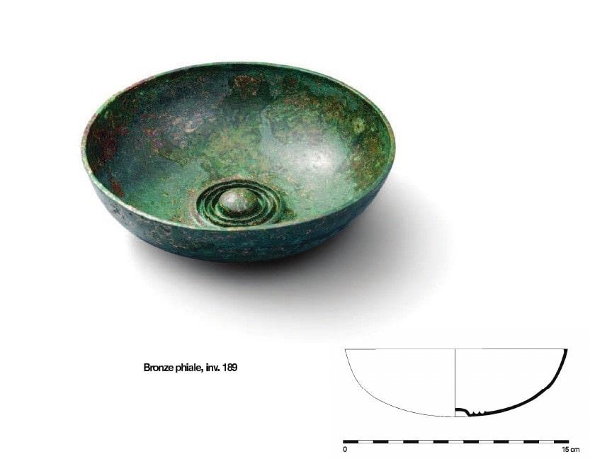 Deep bronze phiale